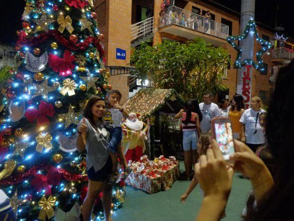 """Recorde: quase 60 mil já votaram no concurso da """"Árvore de Natal mais Bonita"""" do Prosamim"""