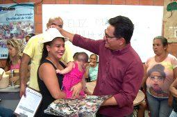 No Dia da Mulher, Governo do Amazonas envolve comunidade do Prosamim em atividades temáticas